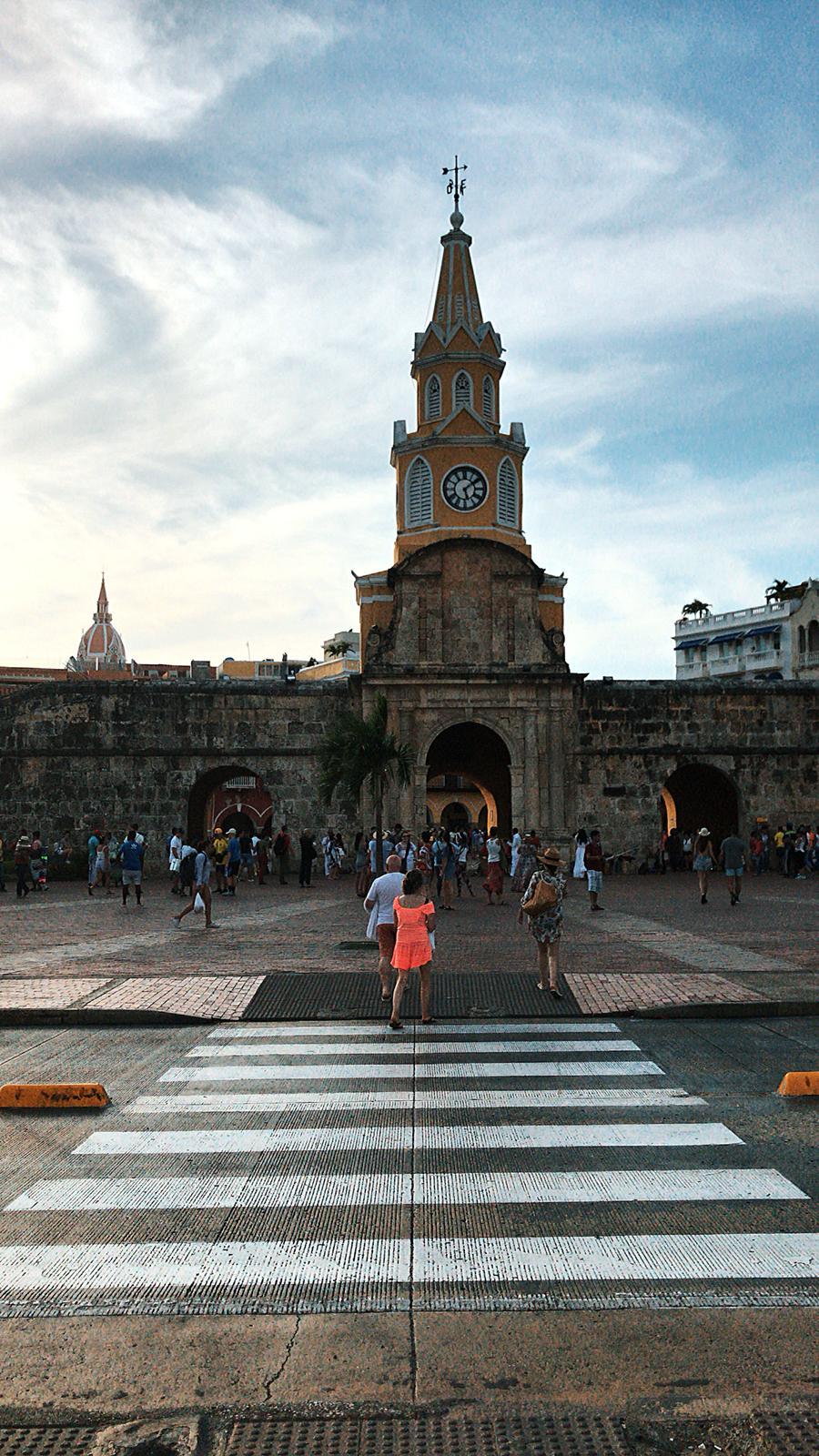 Vue de l'horloge de Carthagène des Indes