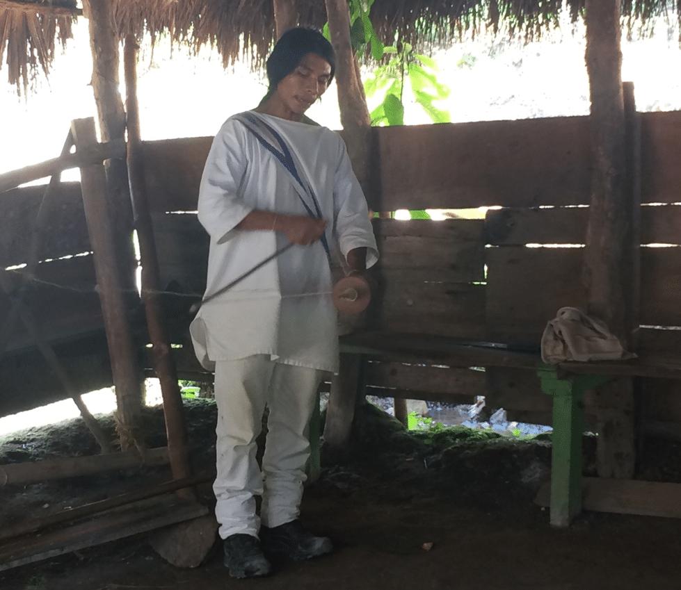Indigène Wiwa, métier à tisser